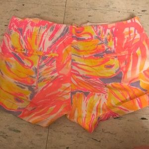 """Lily Pulitzer Size 2 Kerrie Short 3"""""""
